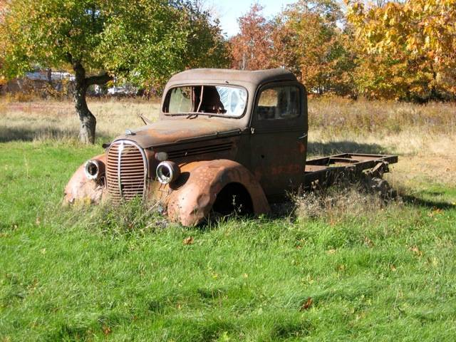 Old Rusty Ford Truck Photo Picture