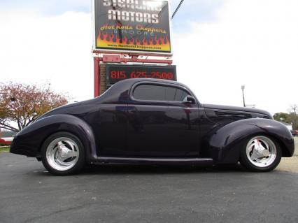 1938 Ford 2 Door DeLuxe Street Rod