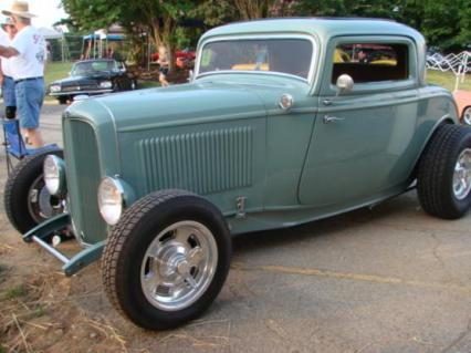 32 FORD LIL DEUCE COUPE IS  PERFECT LIKE NEW