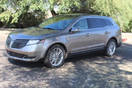 2019 lincoln mkt awd loaded 3600 in was 51000 new