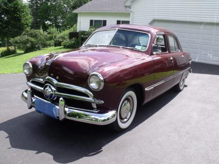 1949 FORD Custom 4 Door V8