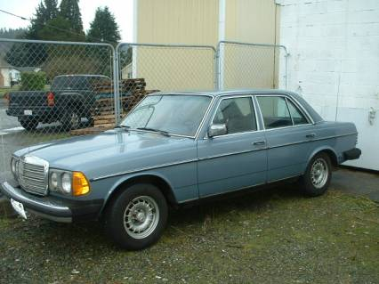 1980 Mercedes Benz 300D Diesel GR8 Body Met Blue
