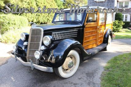 1935 Ford 48 Woody Wagon