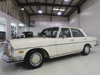 Meticulously Maintained 1971 Mercedes-Benz 280SE
