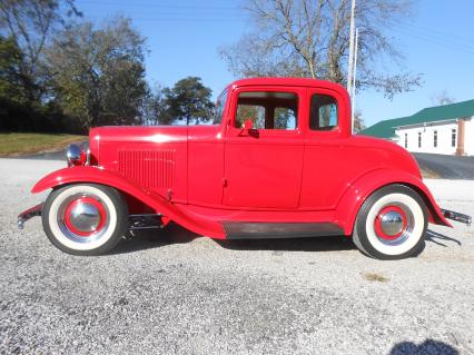 1932 Ford 5 window streed rod
