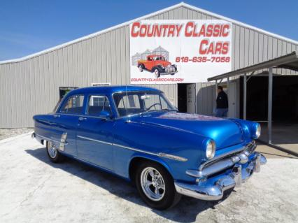 1953 Ford Customline 4dr sedan street rod