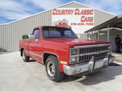 1982 Chevy C10 Silverado short bed fleetisde pu