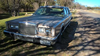 1980 Ford Lincoln Continental