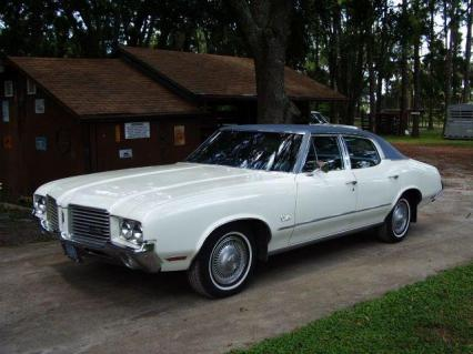 1972 Oldsmobile Cutlass 4 Door