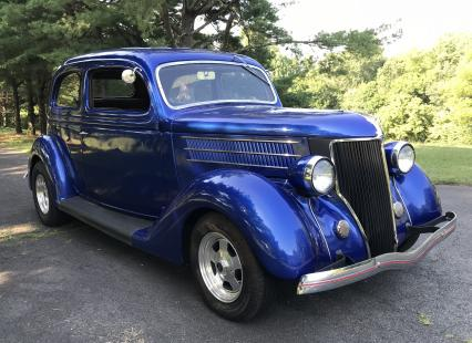 1936 Ford Humpback 2 Dr Sedan 350 V8 4 Spd A/C