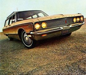1968 Chrysler Town & Country Station Wagon