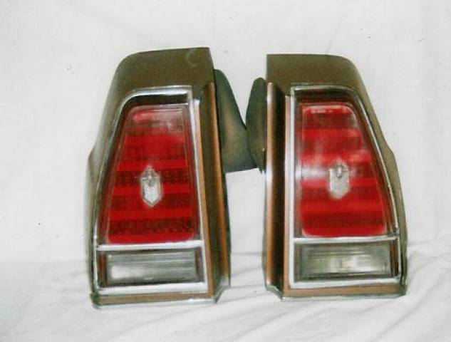1976 MONTE CARLO TAIL LIGHT ASSAMBLYS