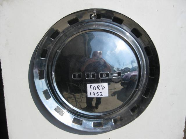 1952 FORD FULL SIZE HUBCAPS